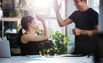 社内外のコミュニケーション、意思決定を迅速化